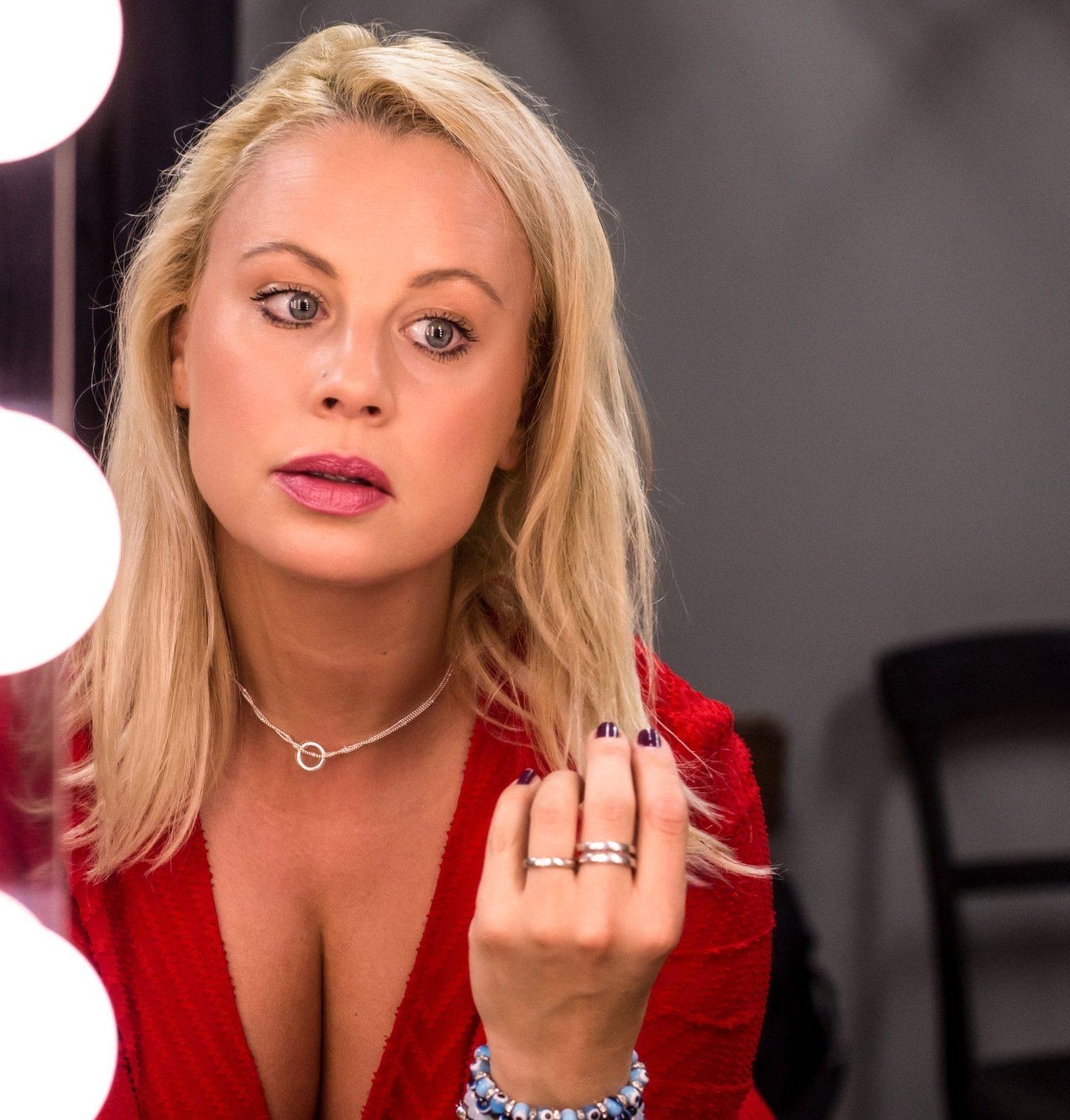 23.04.2022 | Katharina Strasser als Cissy Kraner
